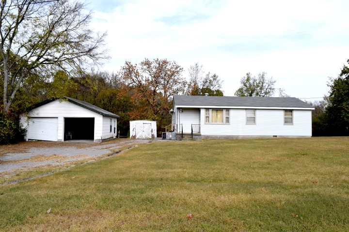 Absolute, Auction, Real Estate, Smyrna, Tennessee, Comas, Montgomery, Investment, Property, Land, Rutherford, County, Murfreesboro, Tennessee, Olive, Branch, Creek, 3 Bedroom, Home, House, Barn, Garage, Fireplace