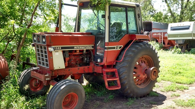 Consignment Auction In Ireton, Iowa By Beyer