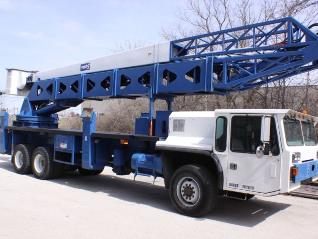 Hydraulic Boom Lifts For Pickups : Beckort auctions llc hydraulic truck crane boom
