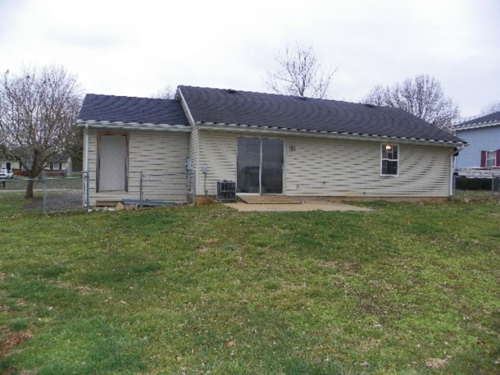 Absolute online only auction of house and lot for T t motors somerset kentucky
