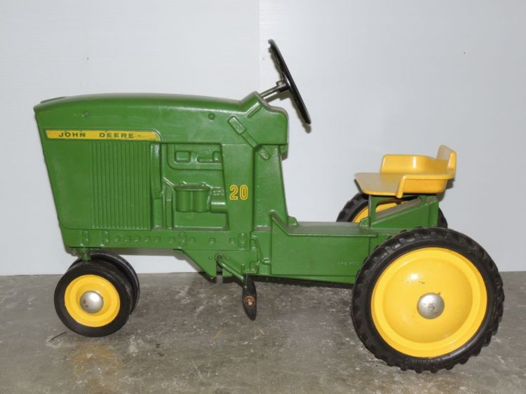 18th Annual Aumann Antique Tractor Toy Auction Friday Cub Cadet 127 Wiring Diagram Featured Thumbnail