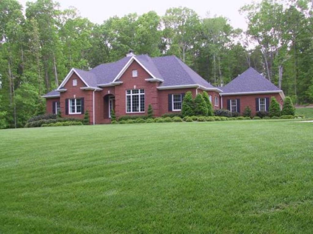 Online only auction of home shop 30 acres in for Custom brick homes