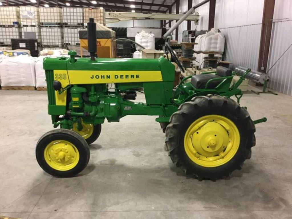 Old John Deere Tractor Parts : Fall harvest antique tractor auction