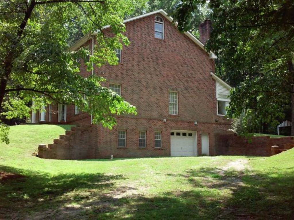 4 bedroom custom built brick home on 2 acres madison al for Custom built brick homes
