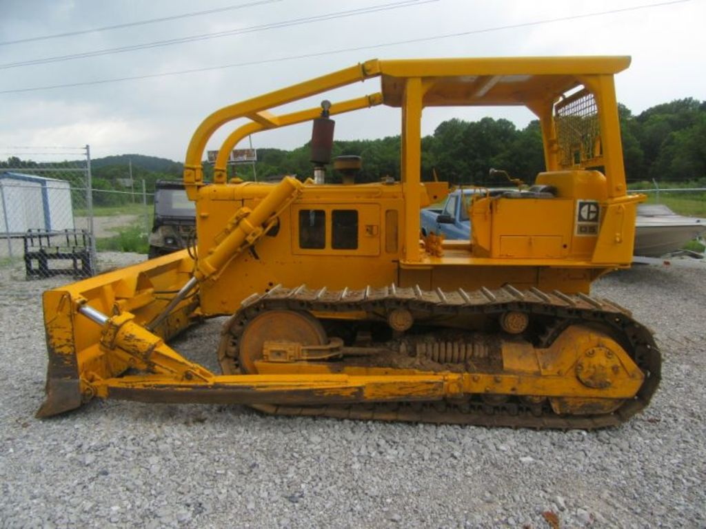 Hostetter auctioneers somerset farm machinery for T t motors somerset kentucky