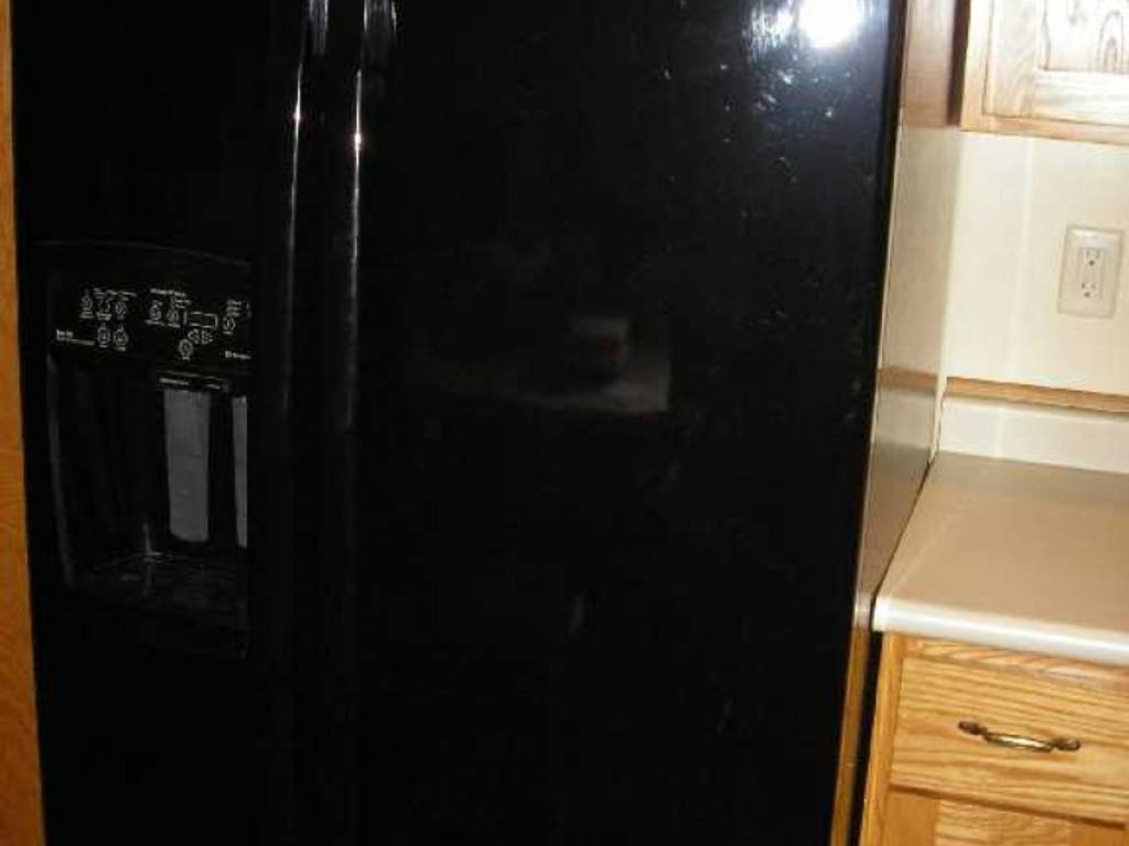 Black 2006 whirlpool gold series side by side refrigerator model gs6nbexrb01 with ice and - Whirlpool side by side ...