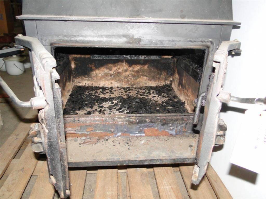 Old Timer Cast Iron Wood Stove