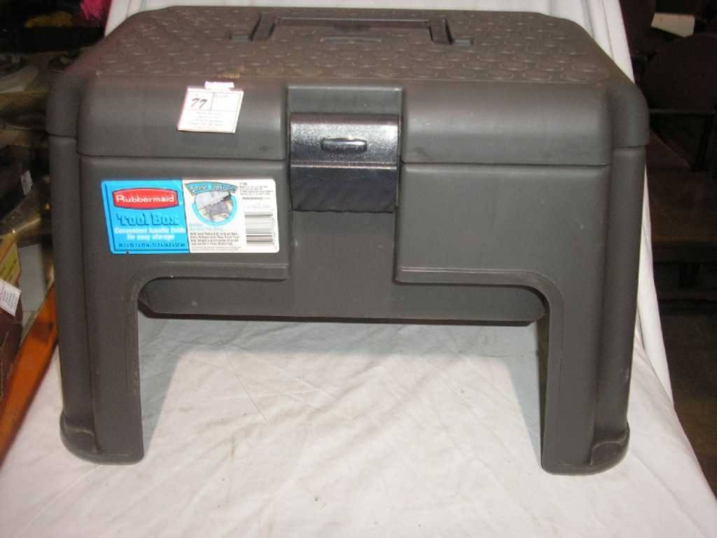 1 Rubbermaid Tool Box 20 2 X 13 7 X 13 Quot Foot Stool