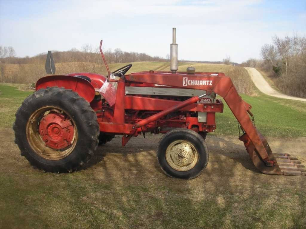 1960 International Tractor : International utility tractor owner bought new in