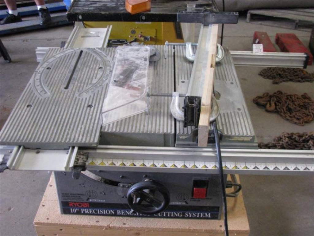 Ryobi 10 Precision Bench Top Cutting System Table Saw On Wood Stand Model Bt 3000