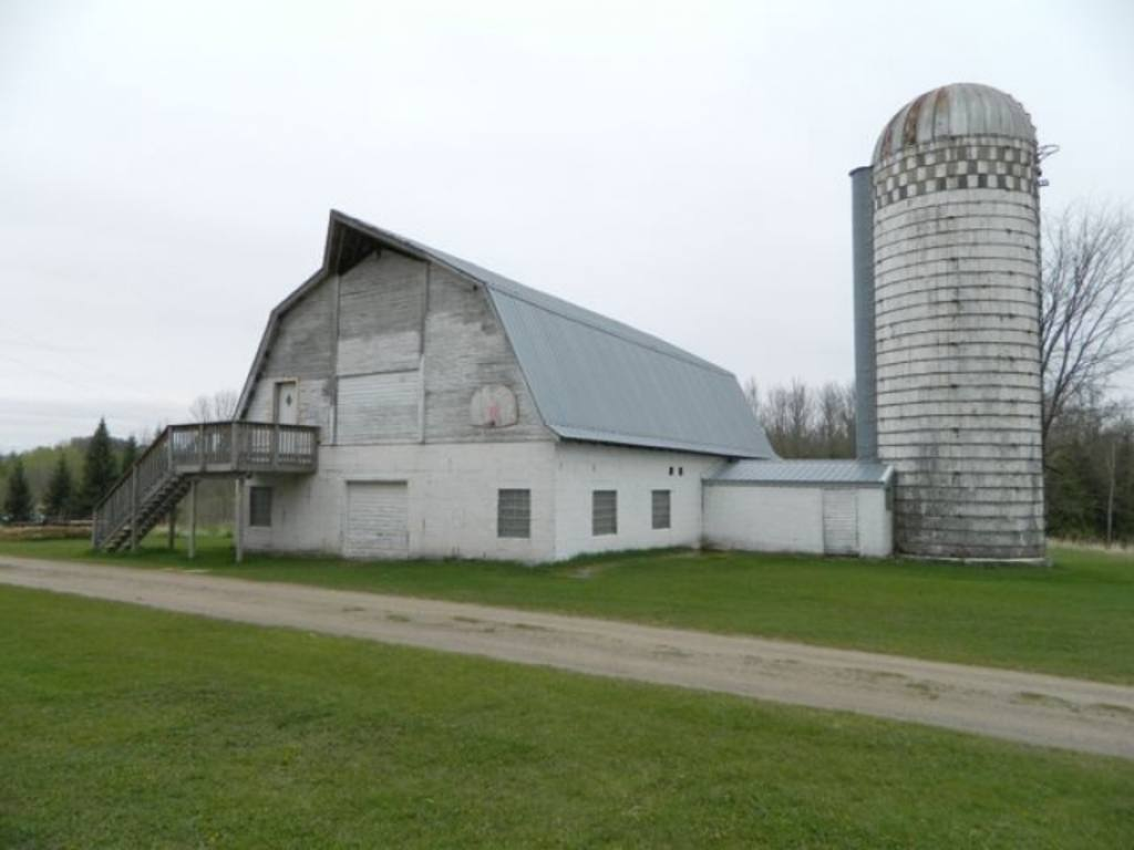 5 5 Acres With Barn And 40x80 Pole Shed