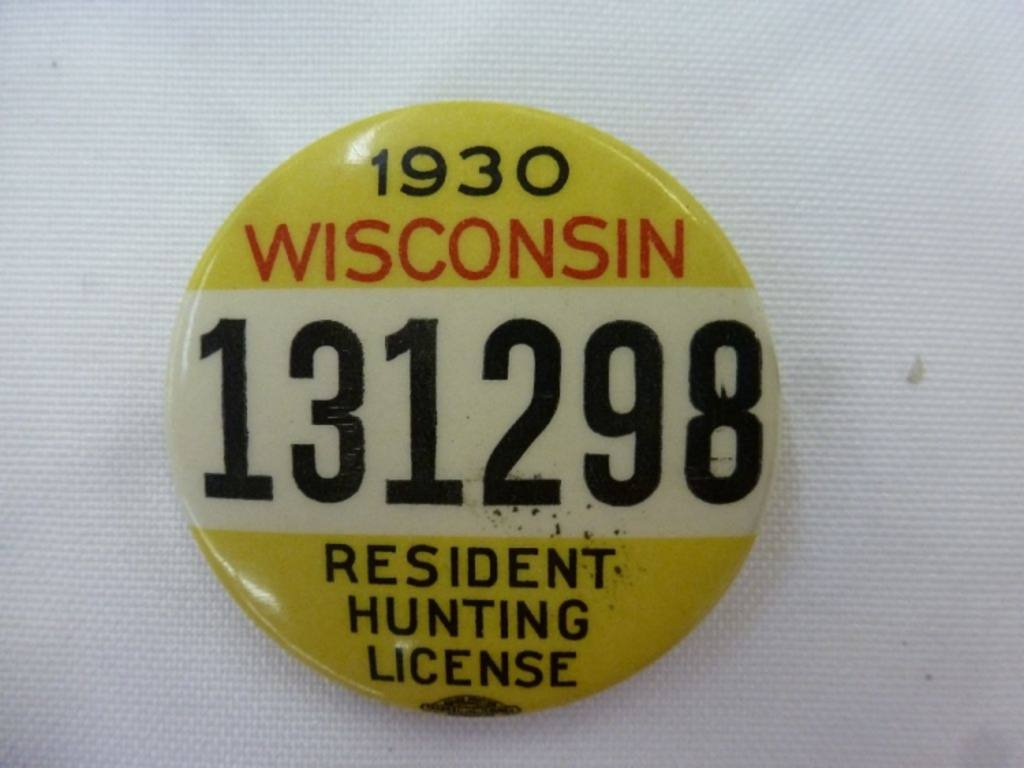 1930 wisconsin resident hunting license pin back button for Wisconsin fishing license