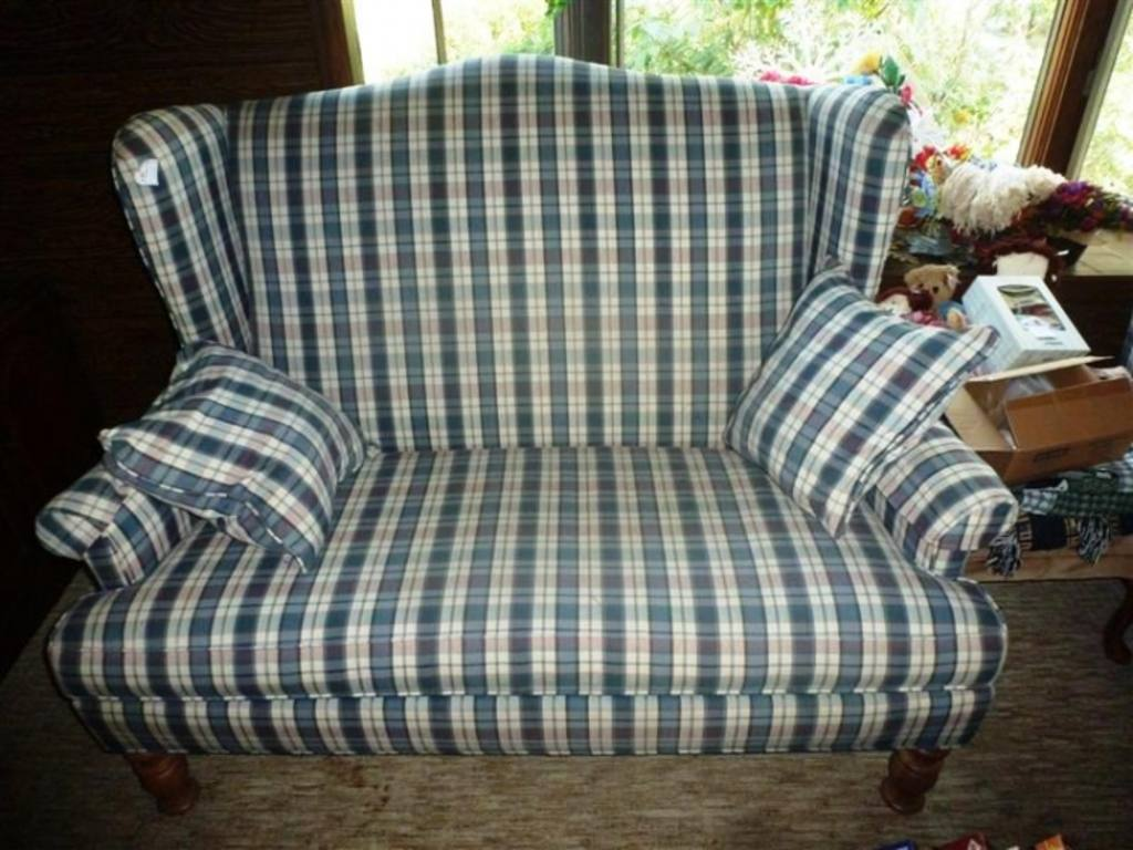 Broyhill Furniture Industries Upholstered Plaid Wing Back Loveseat 40 H X 58 W
