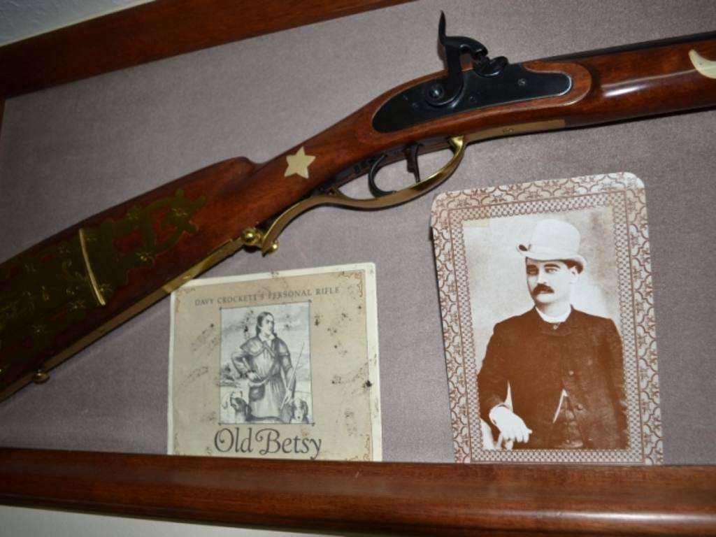 Quot Old Betsy Quot Davy Crockett 41 Caliber Rifle Replica