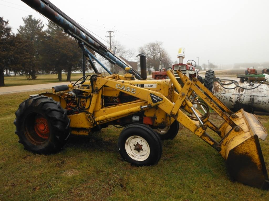 Case 530 Farm Tractor : Case loader tractor construction king