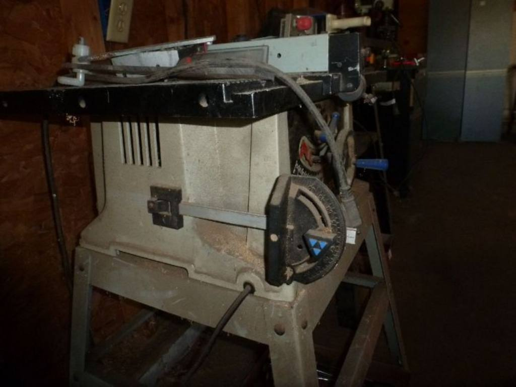 Delta Shopmaster 10 Bench Top Table Saw On Metal Stand Model Ts200ls