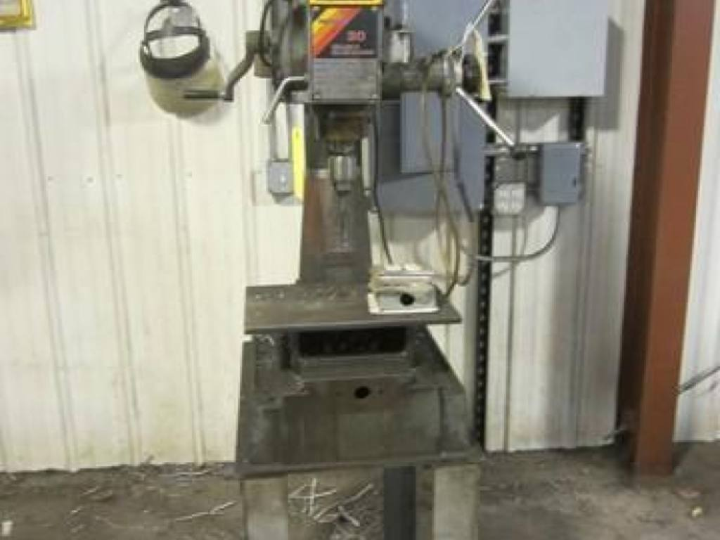 Menards 30 Drilling Milling Machine