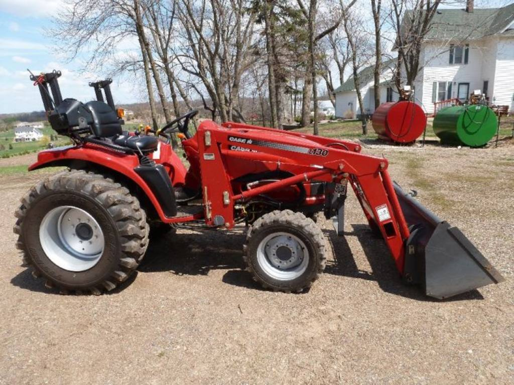 Ih Tractor Loaders : Case ih dx diesel hydrostatic utility tractor with l