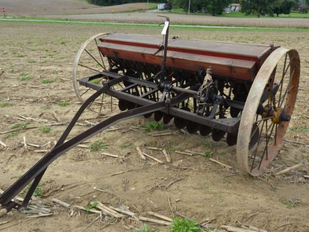 superior grain Grain carts single auger dual auger superior grain handling capabilities  dependable when crops are ready see products.