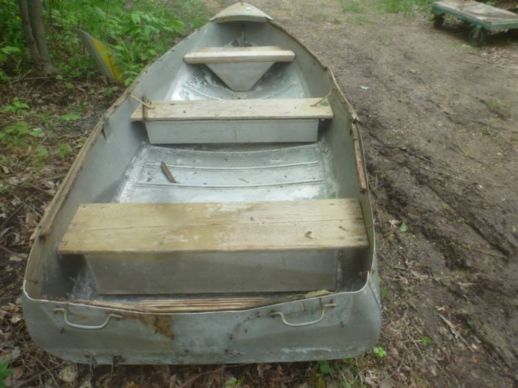Aluminum Boat Benches : Ft aluminum boat no trailer wood bumper rails rotted