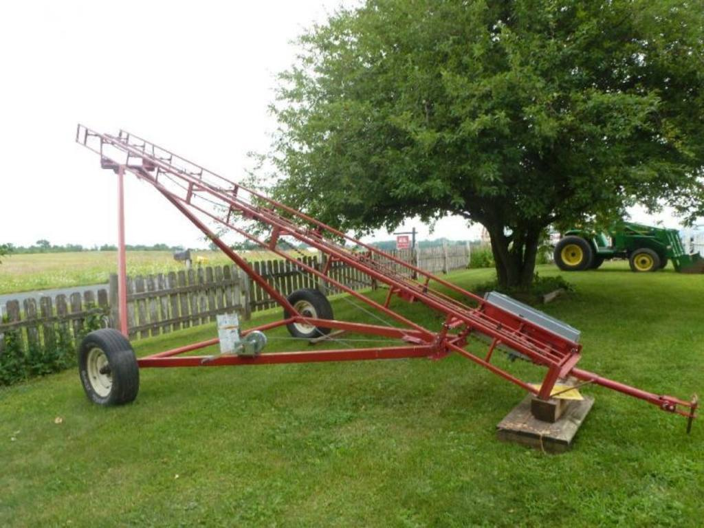 Hayrite 20 39 Bale Elevator With 5hp Electric Motor On