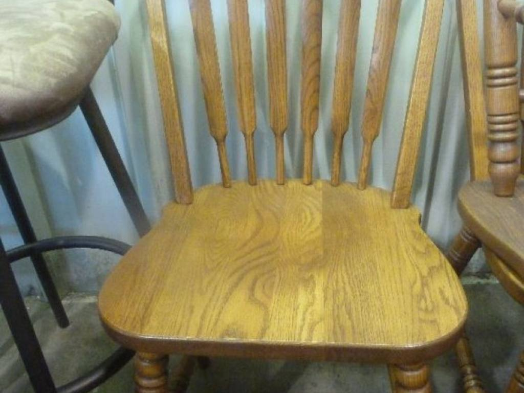 Richardson Brothers Round Oak Dining Table 40 W X 30