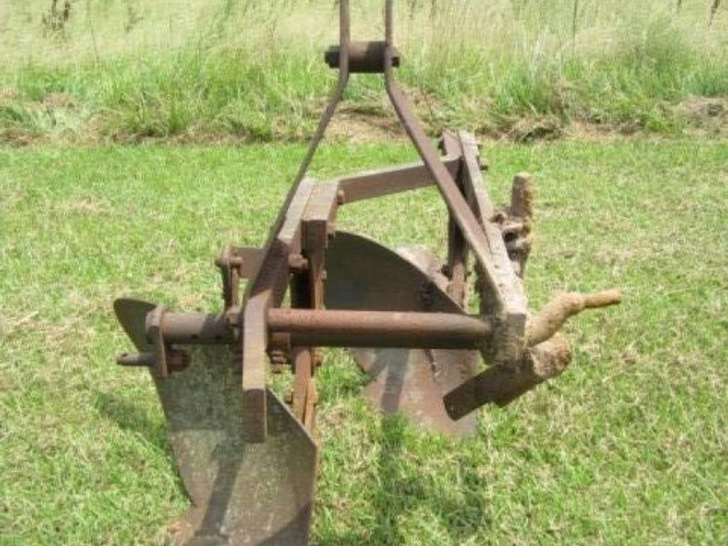 Three Point Plow : Ford point hitch row turning plow