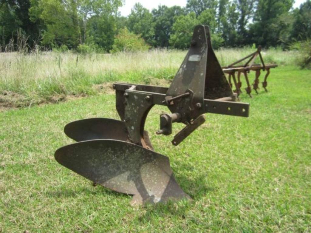 3 Point Hitch Tractor Plows : Ford point hitch row turning plow