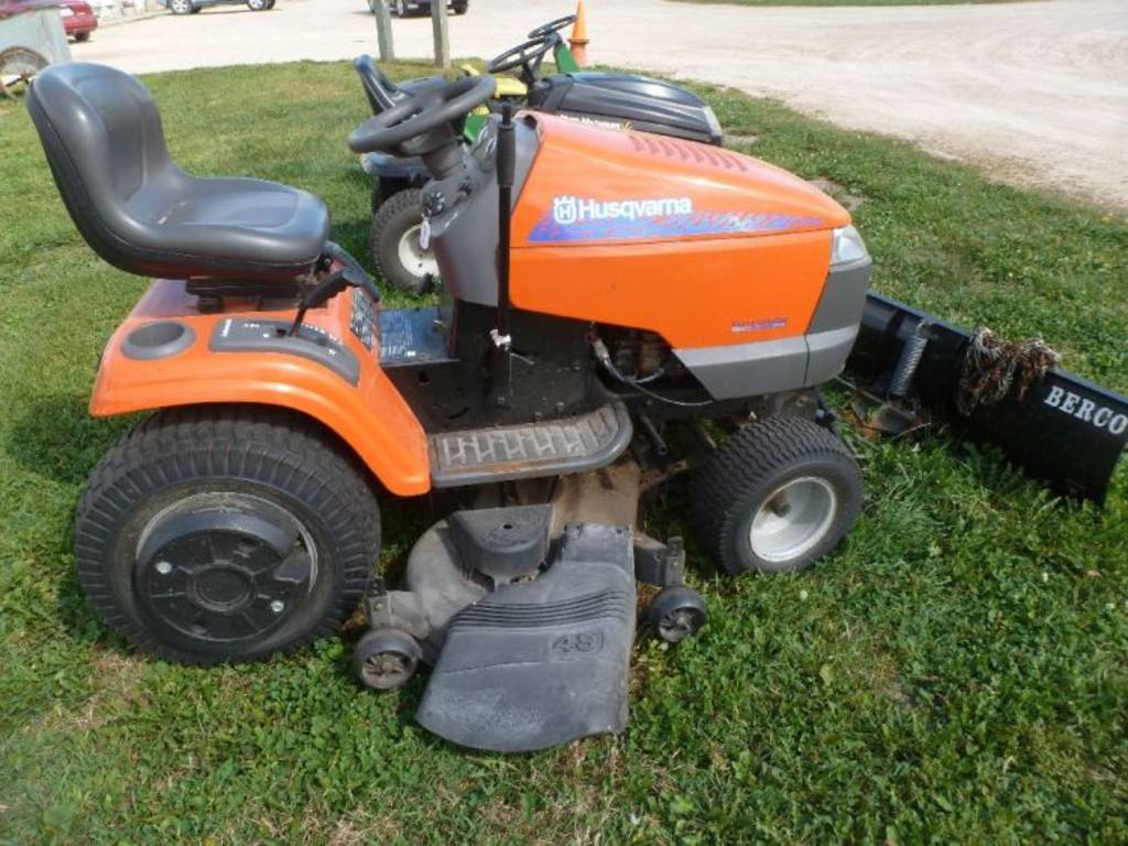 how to change tire on husqvarna riding mower