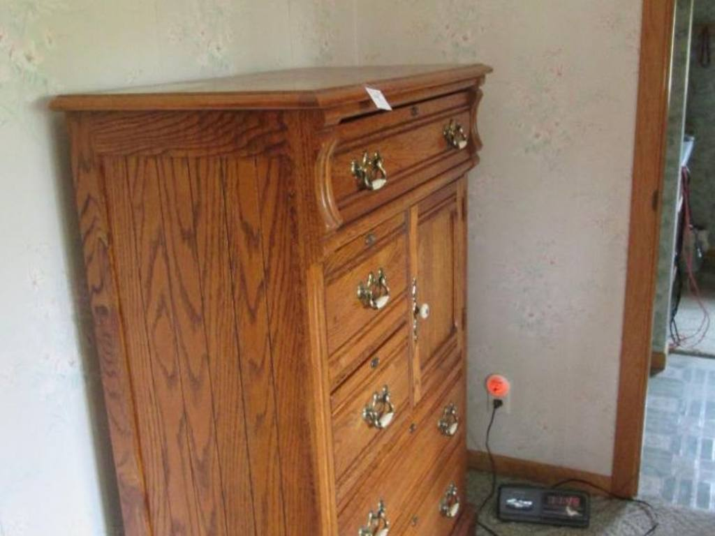 Lexington Recollections Oak Dresser 5 Drawers And Cabinet 36 39 39 X 19 39 39 X 51 39 39 H Matches Lot