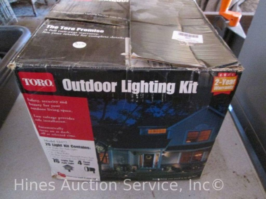 Toro outdoor lighting kit, model 52477