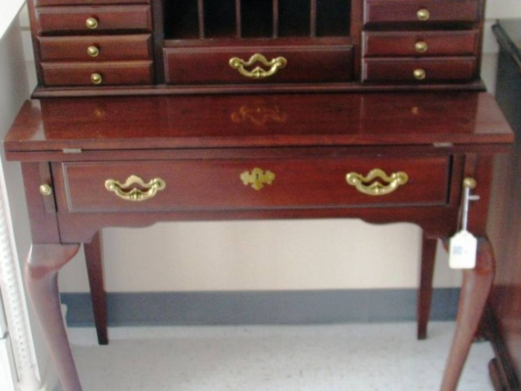 Ethan Allen mahogany writing desk with Queen Anne legs