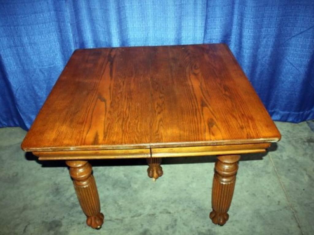Vintage Oak Square KitchenDining Table with 5 Fluted Legs : r105 3 from rynoauctions.com size 1024 x 768 jpeg 79kB